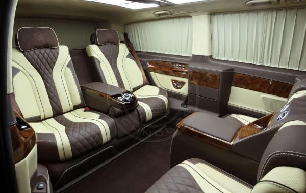 Mercedes Benz V class Dome du Gouter 49